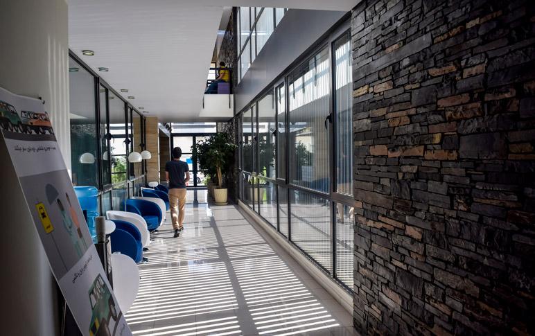 ساختمان سرآوا میزبان فرانش، شبکه تبلیغ و دفتر مرکزی سرآوا است