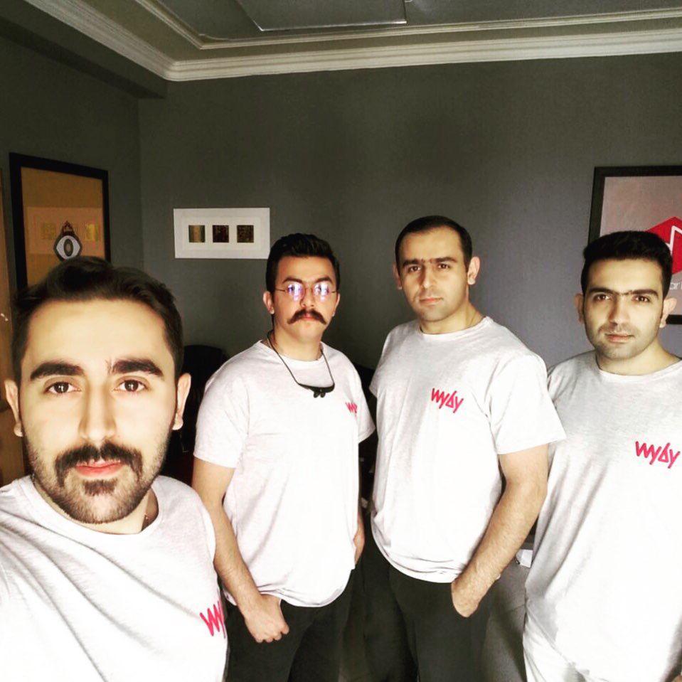 تیم طراحی و توسعه استارتاپ وای بای