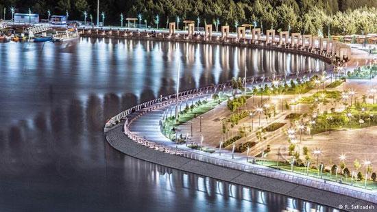 در کنار دریاچه چیتگر تهران استراحت میکنیم، شام میخوریم، عکس میگیریم و به امید ساختن استارتاپهای بزرگ راهی تبریز میشویم.