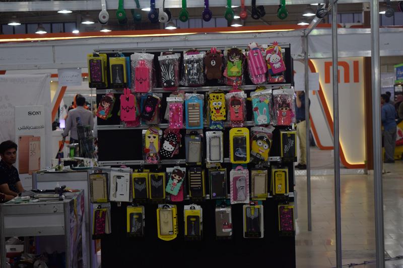 فروش انواع قاب موبایل در نمایشگاه الکامپ
